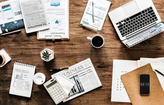 Como organizar un escritorio desordenado